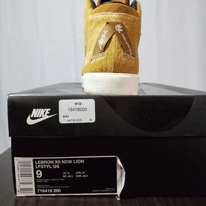 Nike Shoes - Nike Lebron X11 lion sneakers preowned